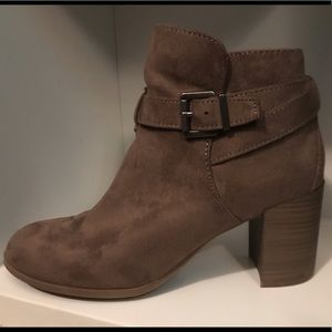 9 1/2 Brown Faux Suede Merona Ankle Boots